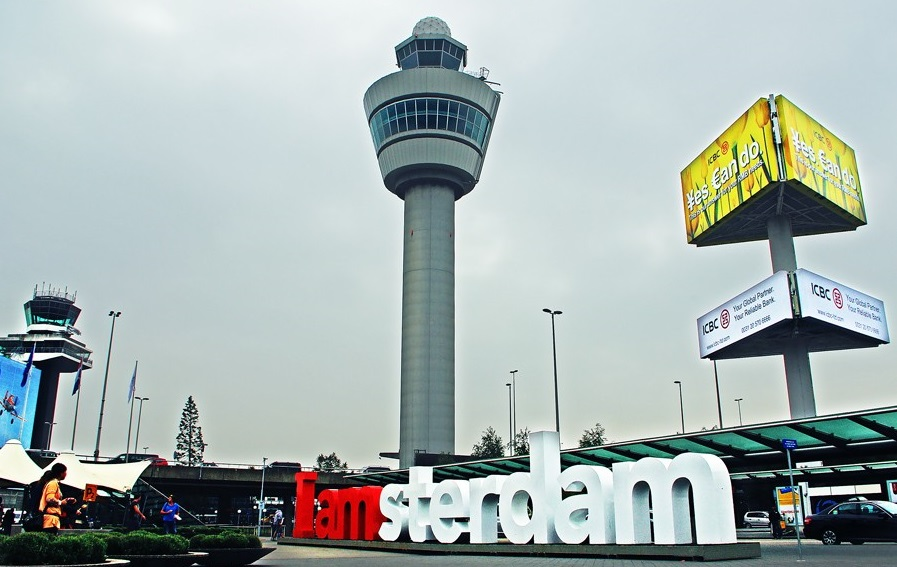 Amsterdam Airport Schiphol. 123