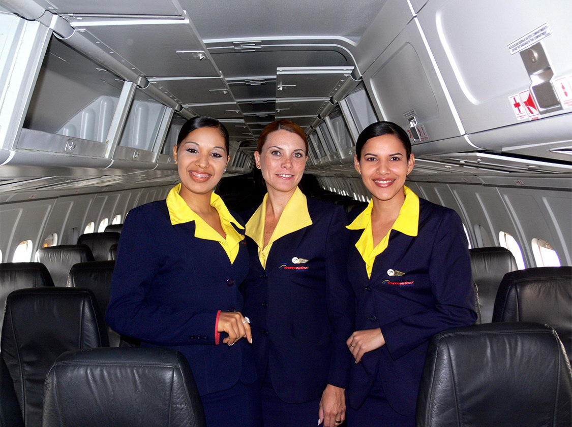 Uniforms of flight attendants: Aserca Airlines. Venezuela. 4