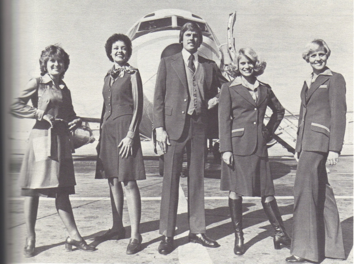 Uniforms stewardess: Frontier Airlines. USA.