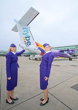 Forma della hostess compagnia aerea Flybe. Exeter Velikobritaniya.2