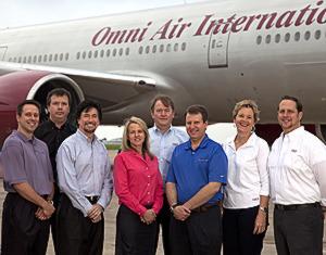 Descripción: Formulario de asistentes de vuelo de avión de Omni Air International. Oklahoma, Estados Unidos. 2