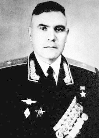 Alexander Karasev Nikitivich. Biographie. Service. Hostilités. blessures de combat. Photo.