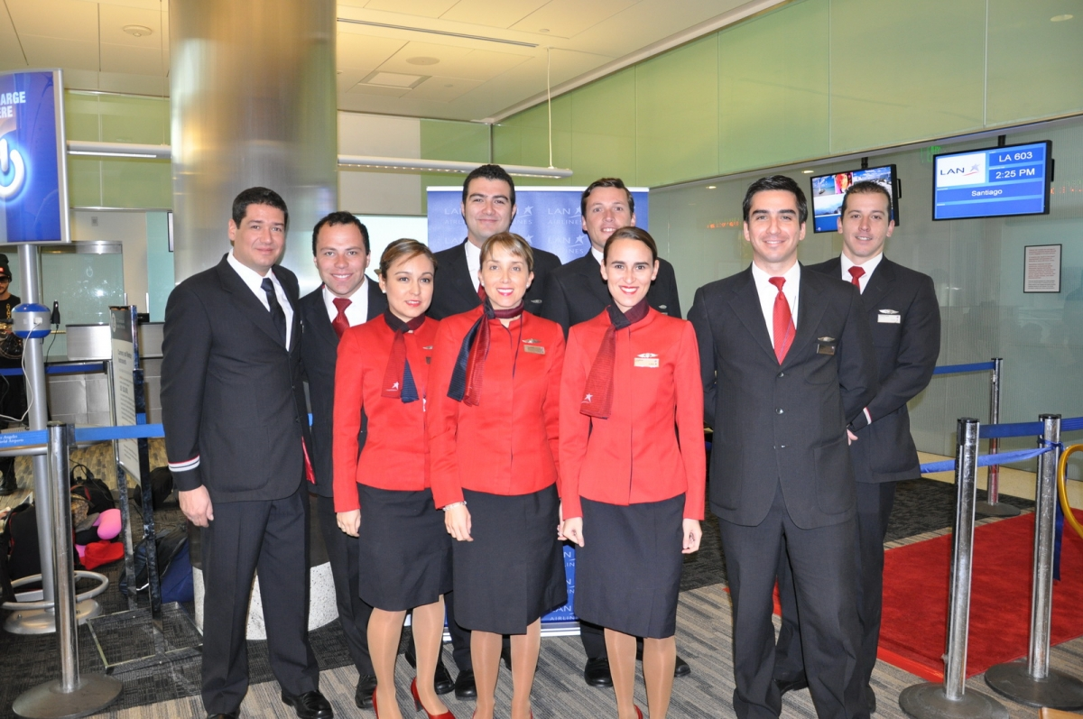 Uniformi hostess: LanChile - LAN Airlines. Cile.