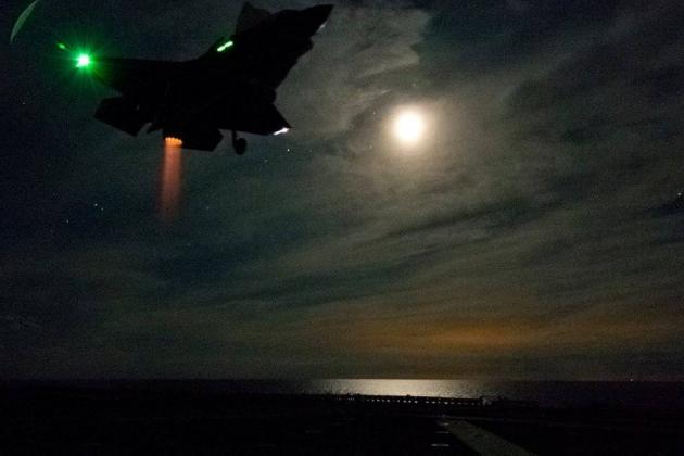 着陸F-35