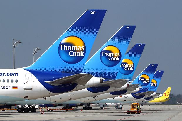 Aériennes Thomas Cook Airlines queues