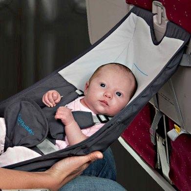 طفل في 2 الطائرة
