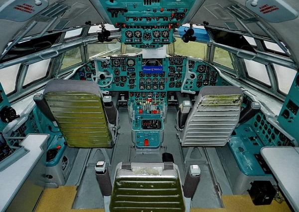cabines IL-62 photos