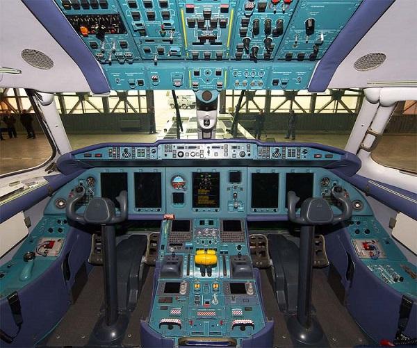 An-158 cabine