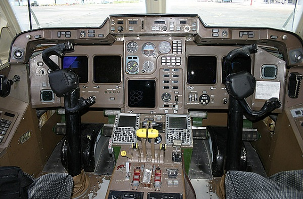 mis à jour la cabine Il-114