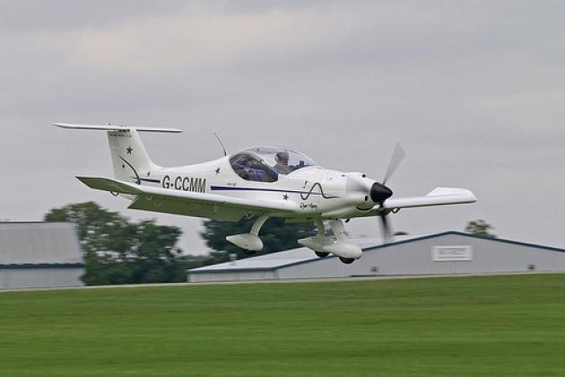 Dyn'Aero MCR 01. Specifications. A photo.