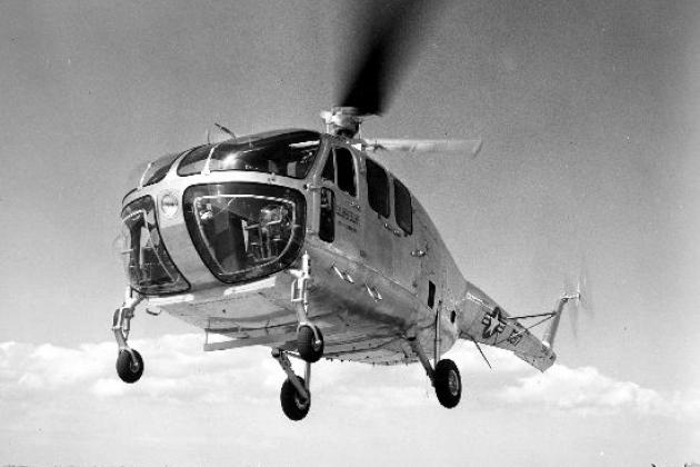 ヘリコプターベルH-12。 仕様。 写真。